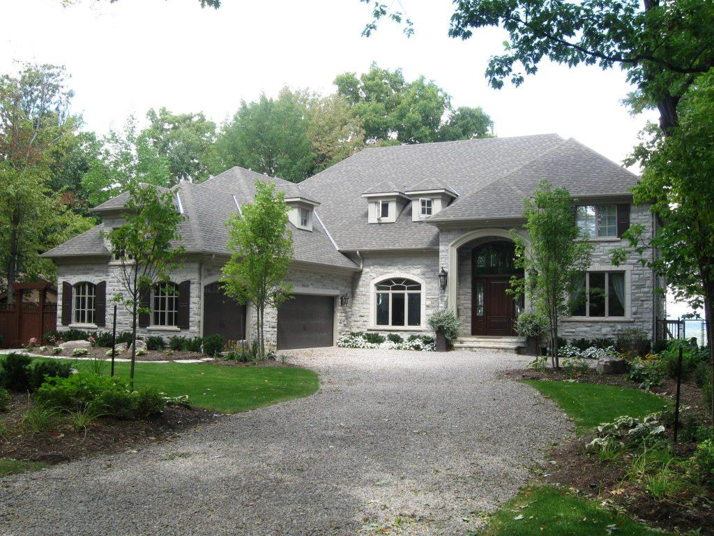 Custom Home by Neven Custom Homes Ltd.   Ancaster