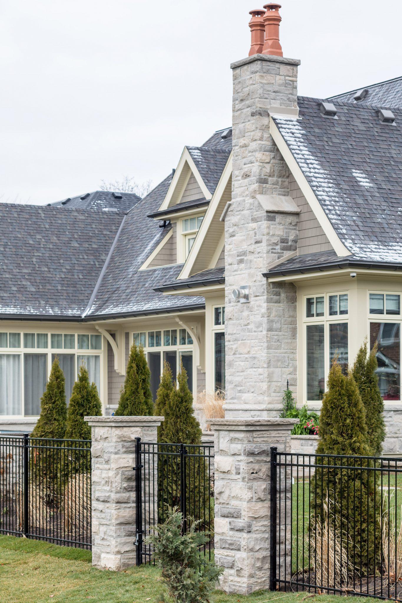 Home by Neven Custom Homes Ltd.