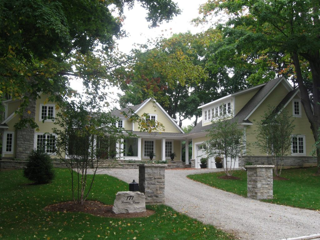 Renovation by Neven Custom Homes - Ancaster